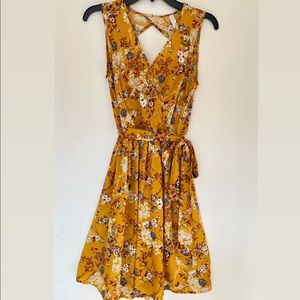 Women's Sleeveless Floral Tie Waist Dress